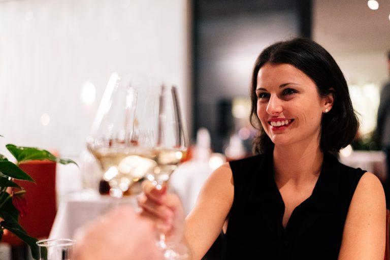 Anstossen im Restaurant Bloom Winterthur